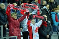 Правда, в Омске игроков болельщики смогут увидеть только по телевизору.