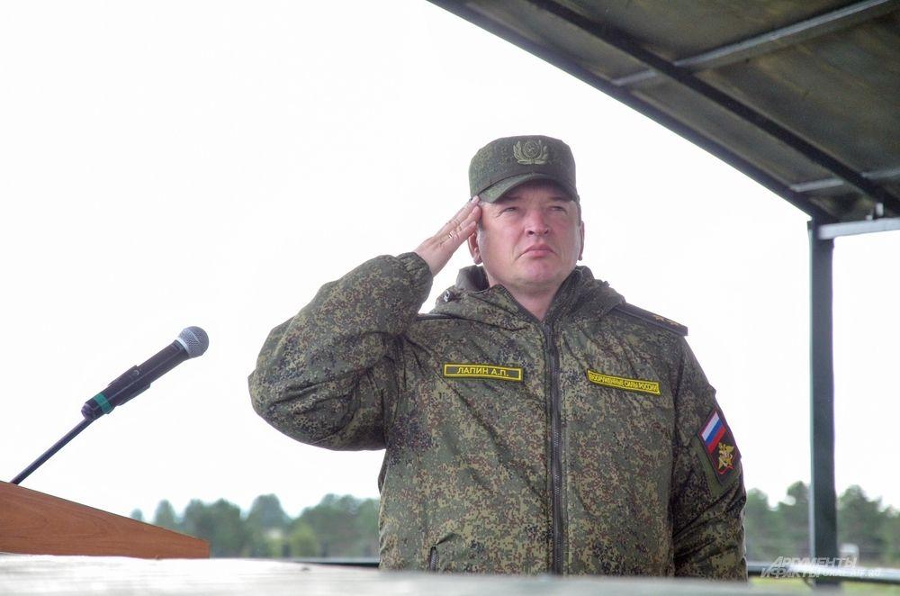 Командующий войсками Центрального военного округа генерал-лейтенант Александр Лапин.