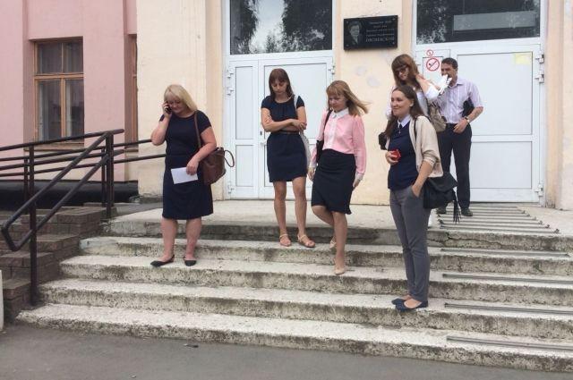 Вшколах Петербурга появится профессиональная охрана
