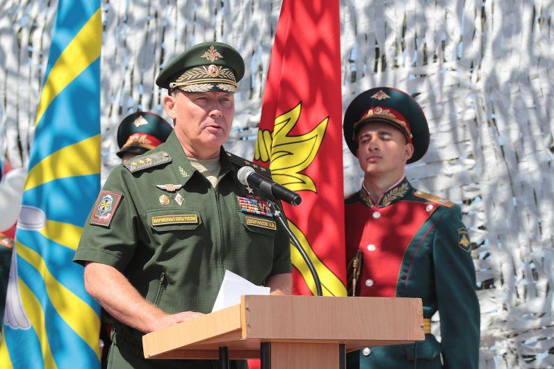 Старт форуму дал командующий войсками ЮВО генерал-полковник Александр Дворников.