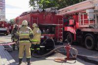 Пожарные тушили огонь около получаса.