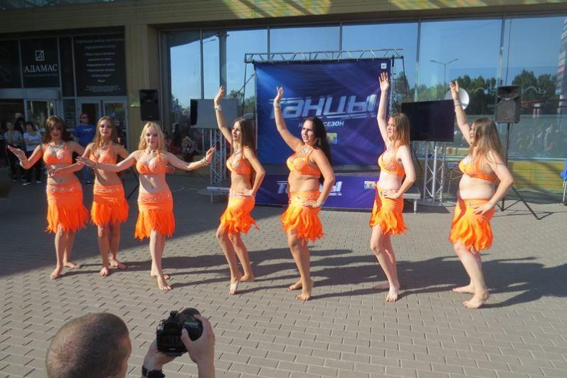 Для сведения: искусство восточного танца также называют беллиданс.