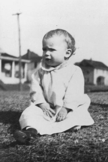 Джон Сидни Маккейн III родился 29 августа 1936 года на авиабазе ВВС США в Панаме.
