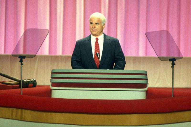 В 1982 году 46-летний Джон Маккейн был избран конгрессменом от штата Аризона. Спустя четыре года он перебрался в Сенат США.