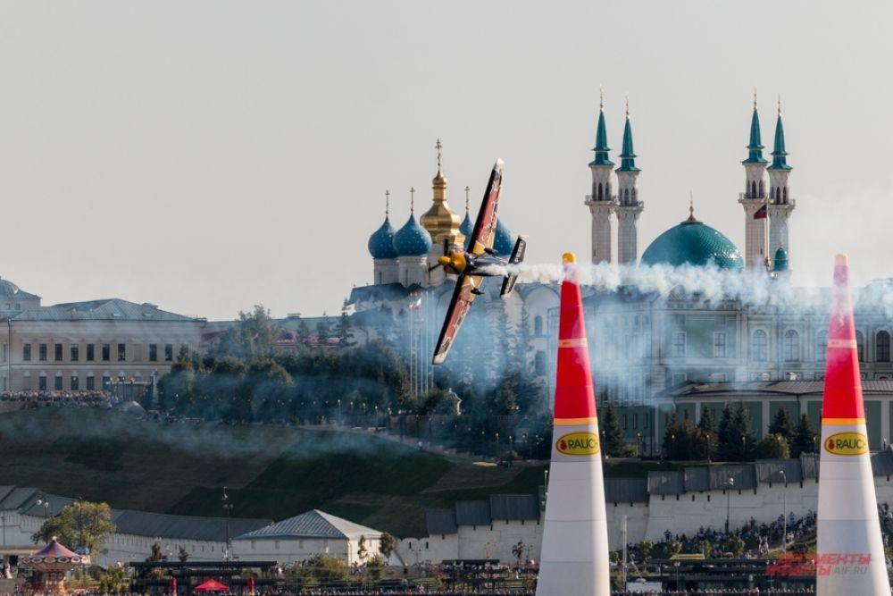 Пилоты заявили, что с удовольствием еще раз прилетят в Казань.