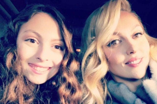 «Пошли вон, хамы»: на странице Оли Поляковой в Instagram разгорелся скандал из-за фото Маши