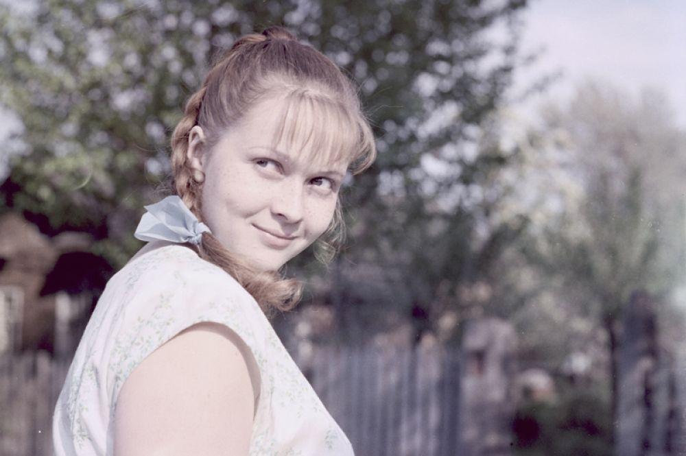 С начала 1970-х Наталья начала сниматься в кино, правда пока в эпизодических ролях. Первой заметной работой стала роль Ани Доброхотовой в картине «Сладкая женщина» (1976) Владимира Фетина.