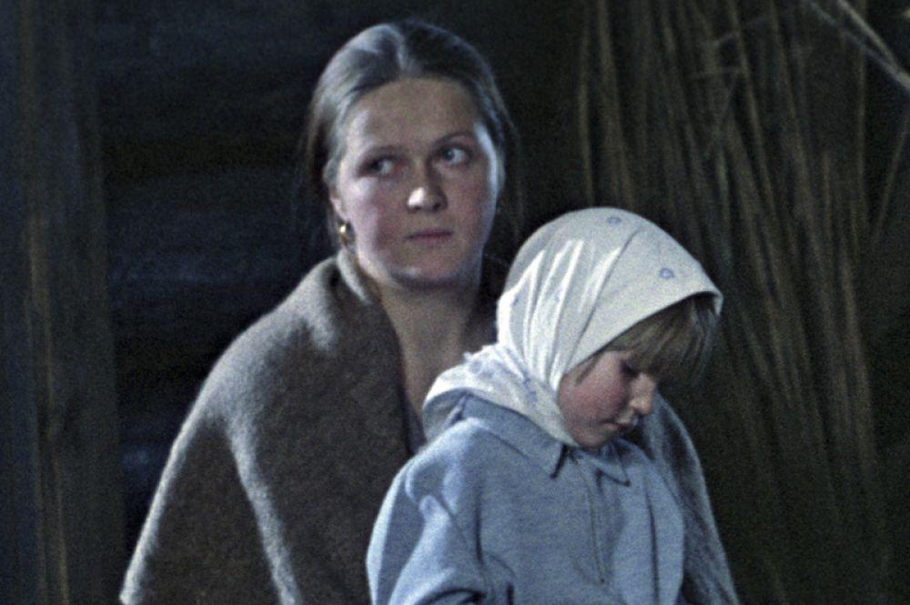 Практически ни одна работа актрисы не оставалась незамеченной. Предложения от кинорежиссеров следовали одно за другим. «Осень» (1974).