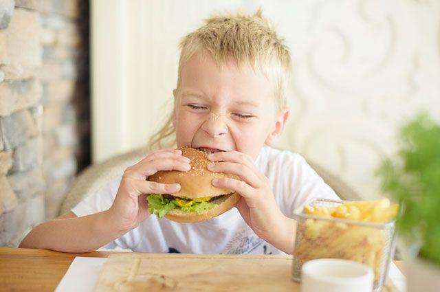 Какие продукты категорически не подходят детям?