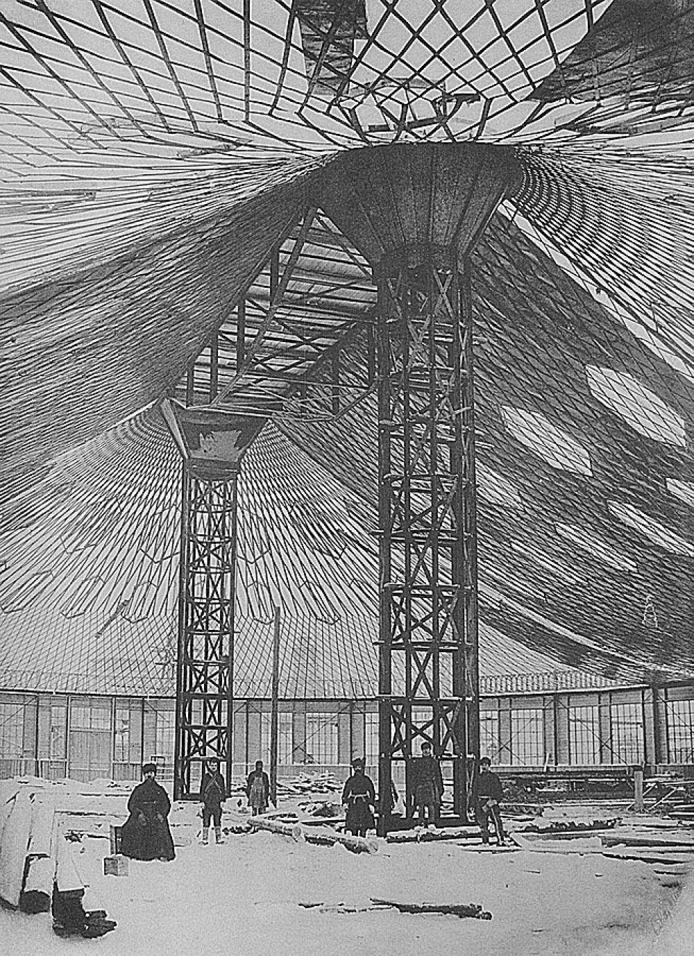 На выставке были построены восемь павильонов с перекрытиями в виде сетчатых оболочек.