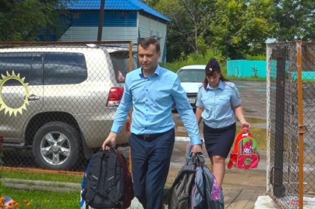 Помощь получилась солидная: свыше 100 кг различных школьных принадлежностей