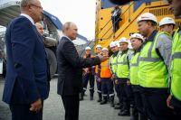 Горняки просили президента утвердить празднование 300-летия открытия кузбасского угля и проконтролировать переселение из ветхих домов.