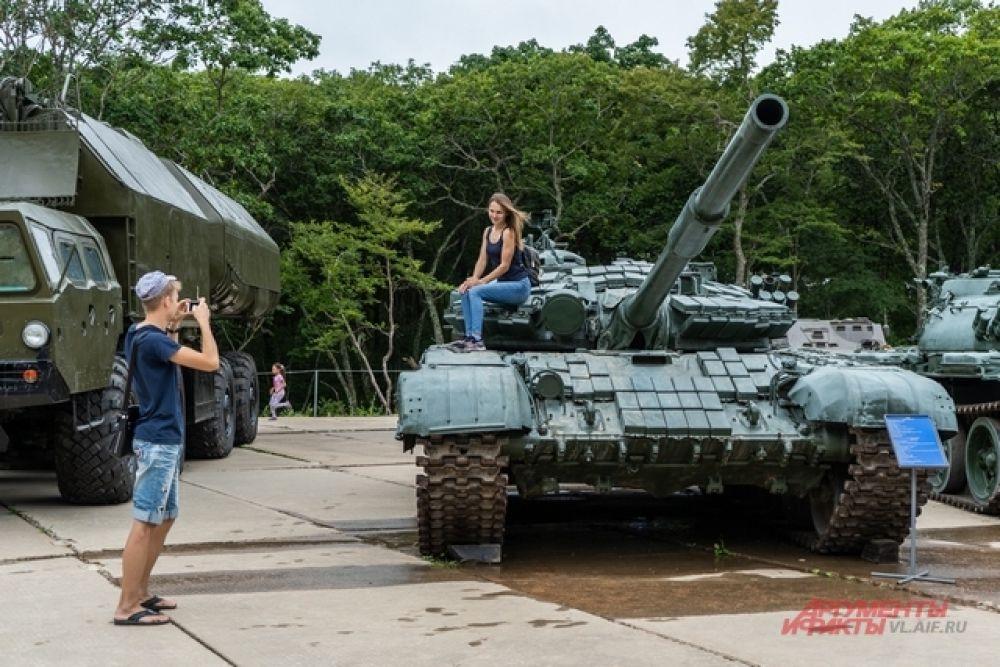 Против танка один приём: фотография на память.