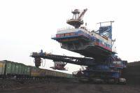 Экскаватор для добычи угля на Бородинском разрезе.
