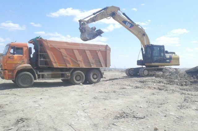 1,8 млн тонн отходов нужно было погрузить и вывезти на новый полигон.