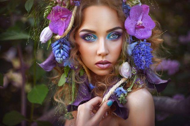 Педагог учила красить зелеными тенями до бровей, но Елена влюбилась...