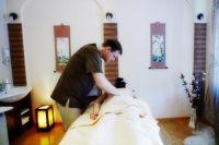 Широдхара отлично сочетается с массажем всего тела.