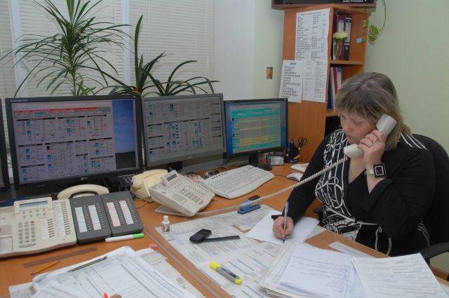 Как правило, по телефонам 2100-680 пермяки задают вопросы по водоснабжению, получают сведения, которые связаны с деятельностью компании. Хулиганские действия коллекторов, создали огромную очередь из телефонных звонков