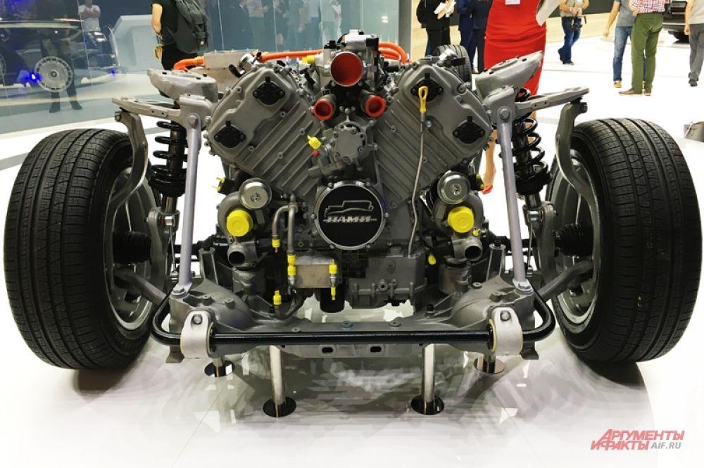 Электромотор расположен между V-образной «восьмеркой» и 9-ступенчатой автоматической коробкой. Такие автомобили могут пойти на экспорт.