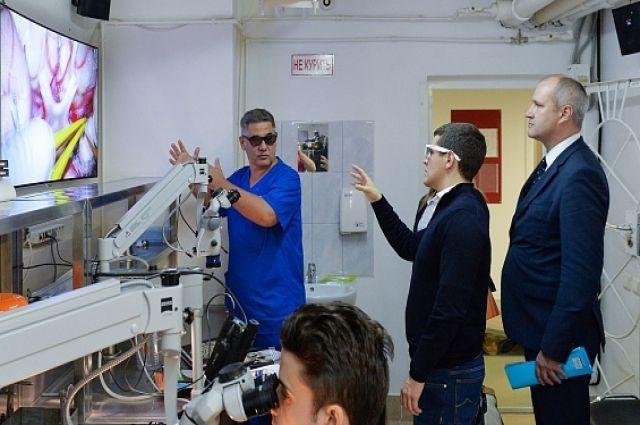 Дмитрий Артюхов посетил Федеральный центр нейрохирургии в Тюмени
