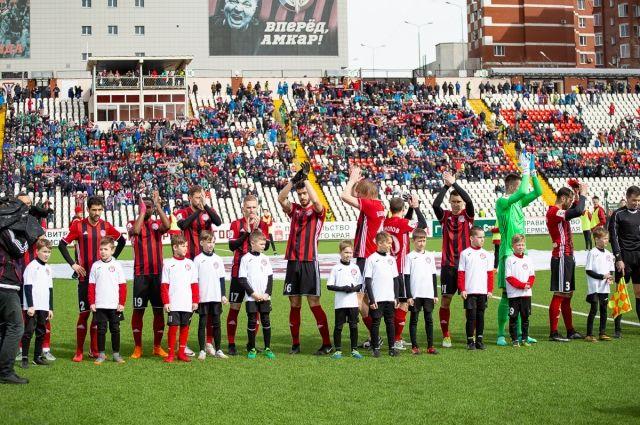В составе «Амкара» Саид (в центре, в чёрных перчатках) провёл 15 матчей, забил один гол.
