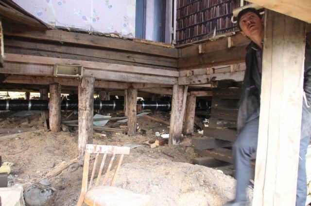 В Салехарде завершают капремонт деревянных многоквартирников