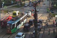 Авария попала в кадр камеры видеонаблюдения.