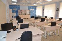 В здании выполнен капитальный ремонт целого блока, где располагаются кабинеты химии, физики и математики, а также лаборантские.