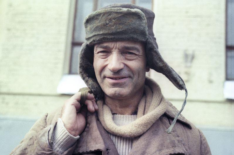 «Аэлита, не приставай к мужчинам» (1988) — Василий Иванович Скамейкин.