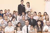 Большая семья Шишкиных. Только из внуков можно составить четыре футбольные команды с запасными.