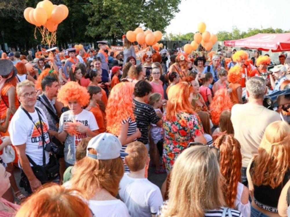 В этом году 83 рыжеволосых человека прошлись по Приморскому бульвару от Дюка к Театральной площади.