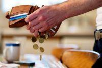 Выплаты на ребенка: в каких случаях алименты платят после совершеннолетия