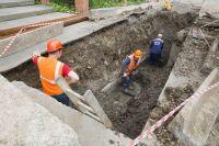 К отопительному сезону завершится ремонт тепломагистрали на улице Газовиков