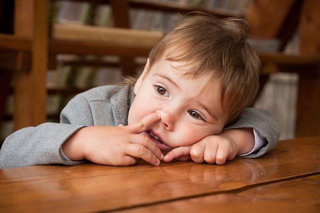 Почему опасно ковыряться в носу?