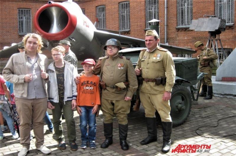 С большим интересом молодёжь посмотрела фильм «Вторая мировая война на Дальнем Востоке»