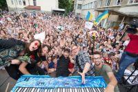 Новый подарок школьникам: Pianoбой выпустили клип на песню «Підручник»