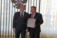 Александр Моор наградил нефтяников и газовиков Нового Уренгоя