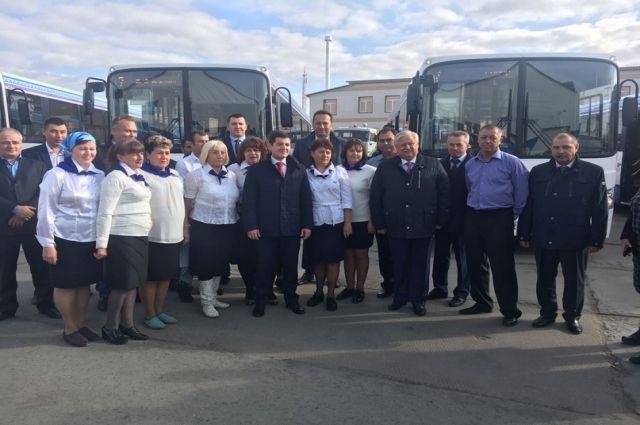 В Новом Уренгое городские маршруты пополнили семь новых автобусов