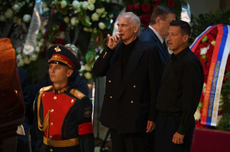 Актер Василий Лановой на церемонии прощания с народным артистом СССР, певцом, депутатом Государственной Думы РФ Иосифом Кобзоном.