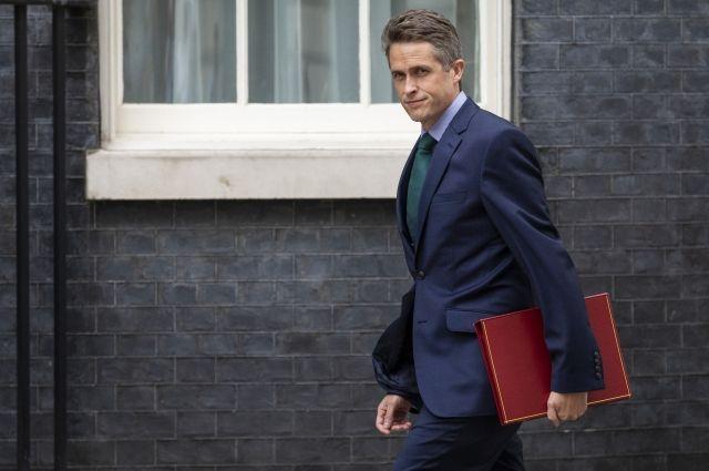 Британский министр обороны объявил, что Англии угрожают террористы ИГ* изАфганистана