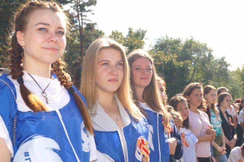 На площадке у памятника Василевскому к этому времени собрались все участники «Стены памяти и дружбы».