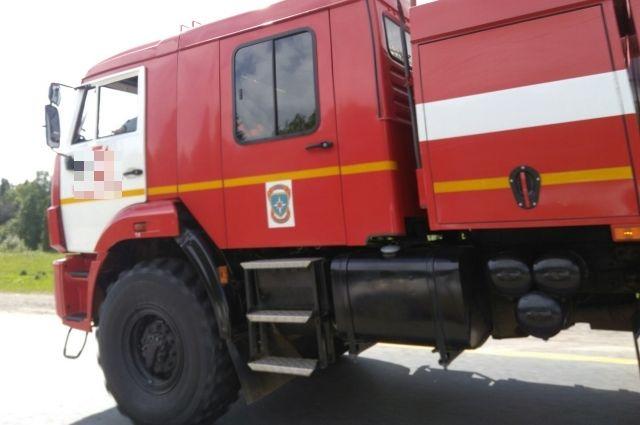 На пожар выехали семь машин МЧС.