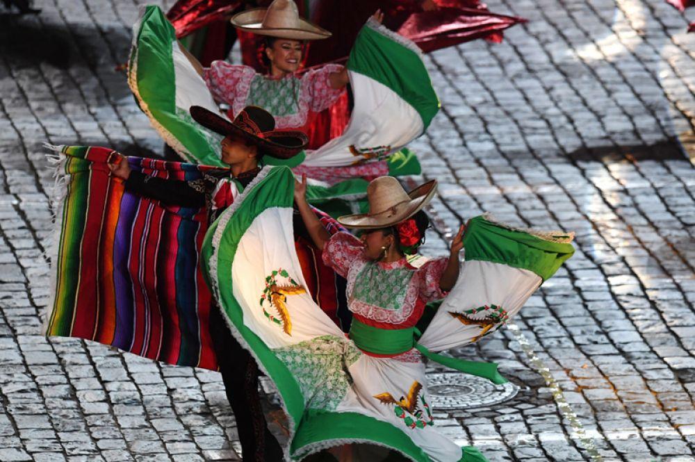 Творческий коллектив «Банда Монументаль» (Мексика).
