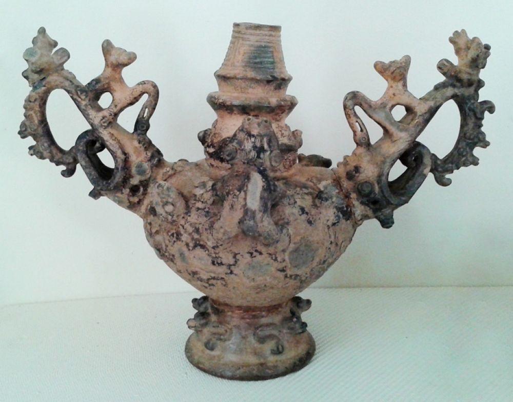 Керамический сосуд, 1000-1400 гг н.э.