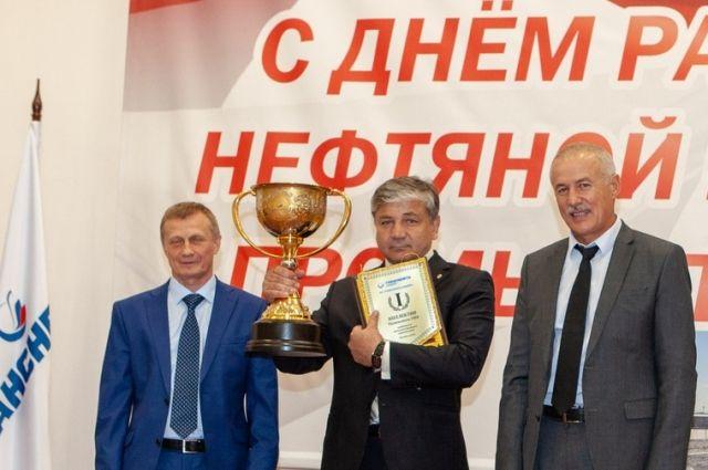 Сотрудников АО «Транснефть – Сибирь» наградили накануне профпраздника