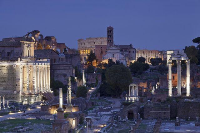 Часть старинных стен Римского форума обрушилась вИталии