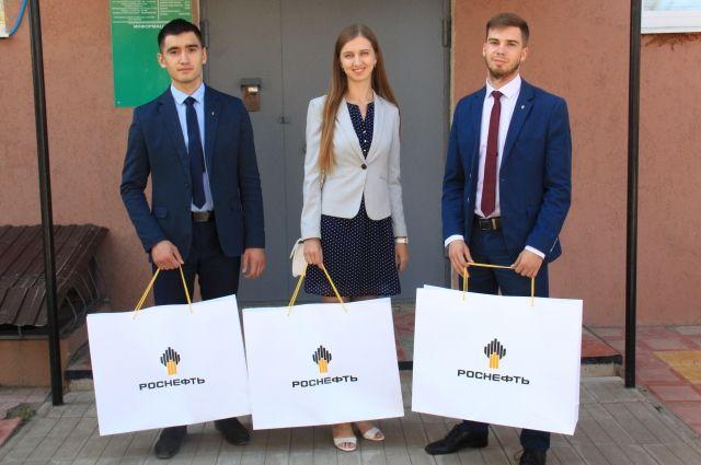 В преддверии Дня знаний сотрудники ПАО «Оренбургнефть» провели благотворительную акцию.