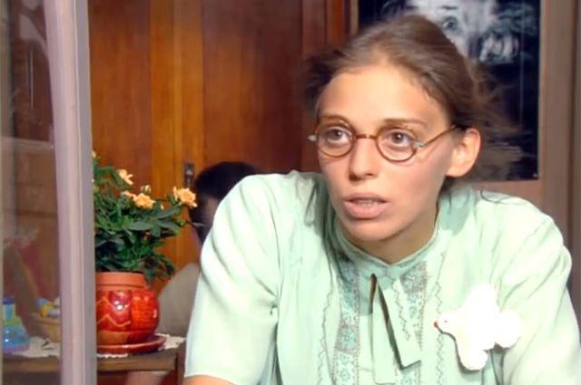 Нелли Уварова в роли Кати Пушкаревой в сериале «Не родись красивой».