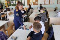Тюменские следователи взяли на попечительство первый кадетский класс