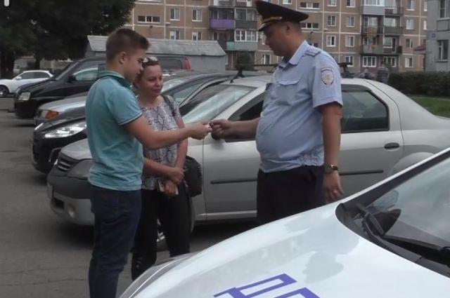 О потере паспорта подросток узнал только от сотрудников полиции.